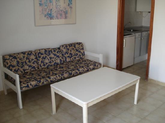 Apartamentos Parque : un salon qui donne sur la terrasse