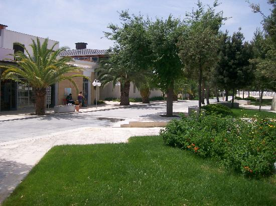Magna Grecia Hotel Village: Near the pool