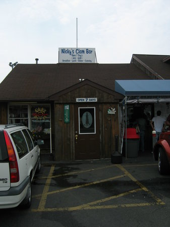 ‪Nicky's Clam Bar‬