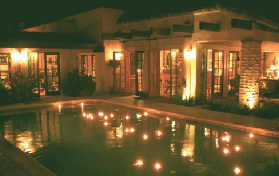 Casa Ocotillo: Aglow