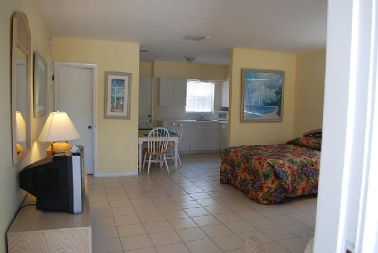 Coral Bay Resort: Our beautiful room #5 at Coral Bay!