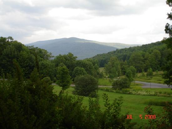 Margaretville, NY: Beautiful View of Catskill Mountains