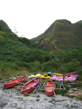 Botolan, Filipina: boat ride to the middle of the lake