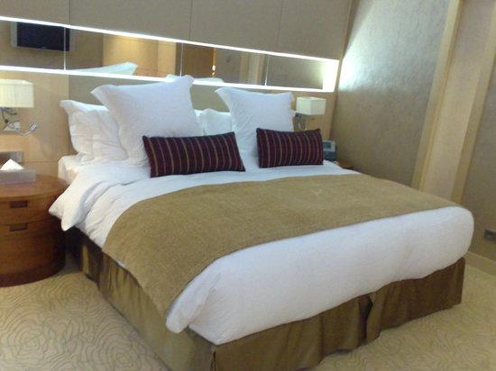 InterContinental Al Khobar: Bedroom at Deluxe Room