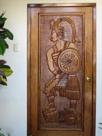Tropical Escape Hotel: Beautiful door