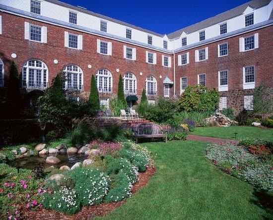 The Spa at Norwich Inn : Spa Courtyard