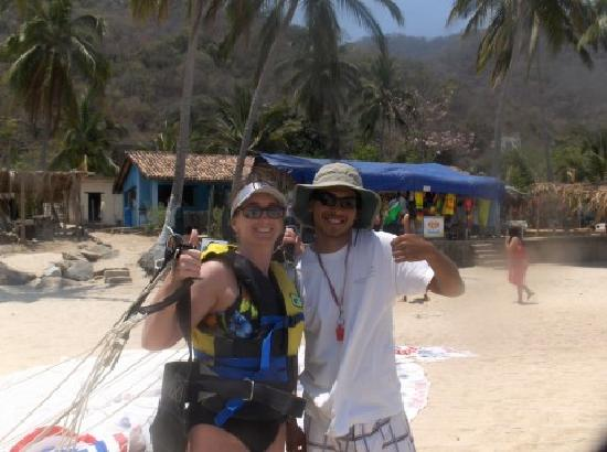 Playa Las Animas: Wife Para-sailing