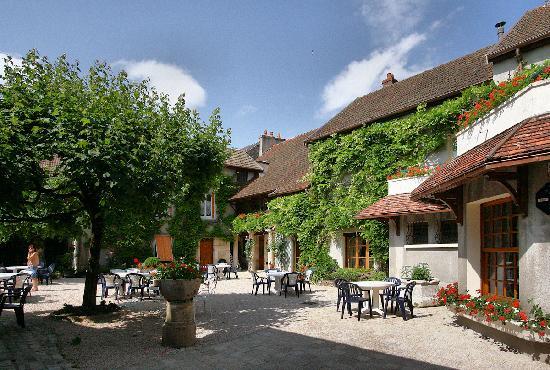 Saint Seine L'Abbaye, França: terrace