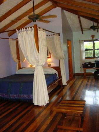 Hamanasi Adventure and Dive Resort: Treehouse