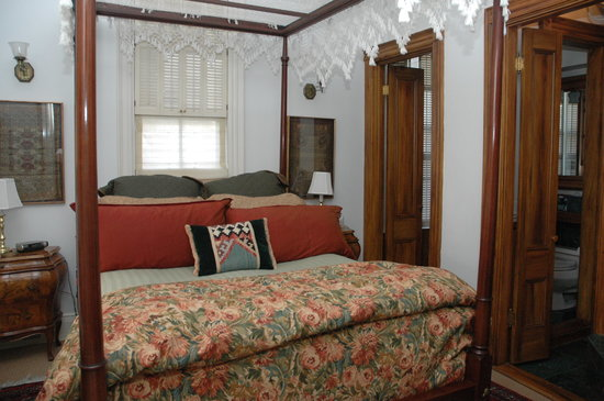Centerboard Inn: Master Suite