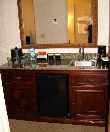 Foto de embassy suites by hilton seattle north lynnwood for What s a wet room