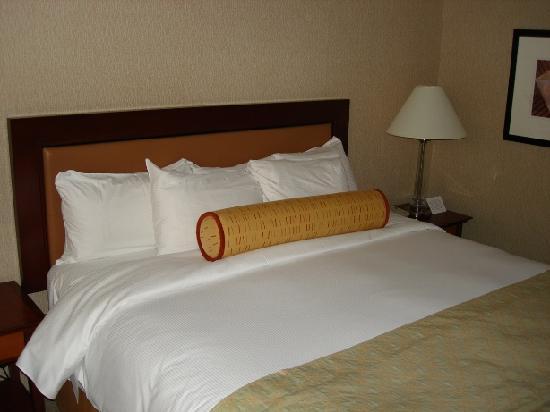 Hilton Vancouver Airport: Super soft bedding