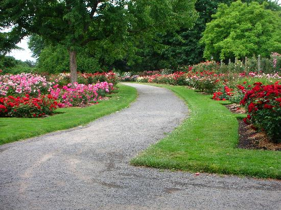River Walk Inn Bed and Breakfast: Garden Trail