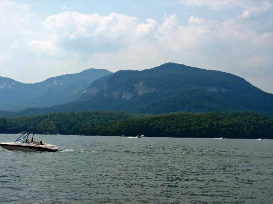 Fox Run Resort: view of mountains and lake taken from tour boat