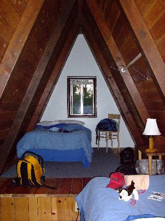 The Aspen Inn: Second floor of Cabin #6 - Kid's Room