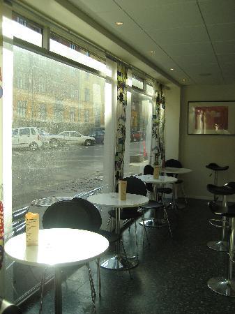 Hotel CopenHagen: Reception Area by the Computer