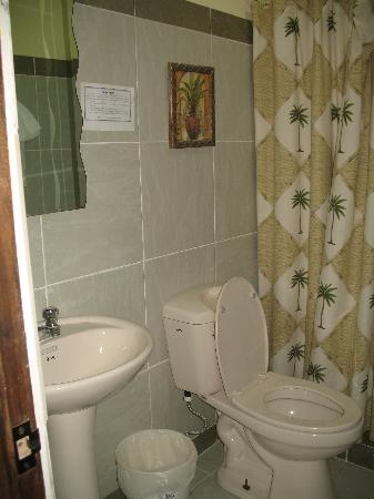 Contadora Island Inn: Bathroom2