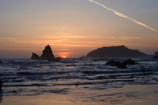 Trinidad Inn: sunset at Moonstone Beach (nearby)