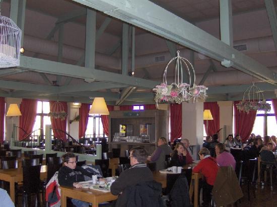Kyriad A Disneyland Paris: Dining Room at breakfast