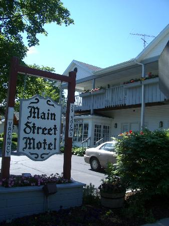 Main street motel picture of main street motel fish for Motels in fish creek wi