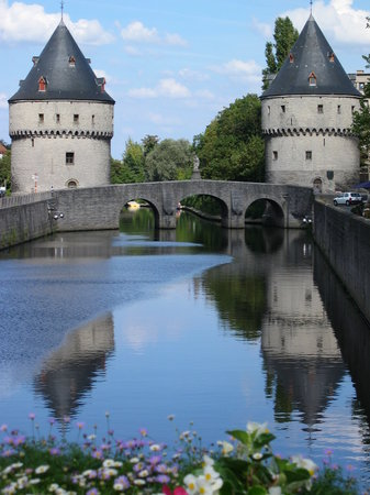 "Courtrai, Belgique : ""Broel"" towers"