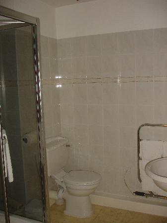 SACO Jersey - Merlin House: Bathroom