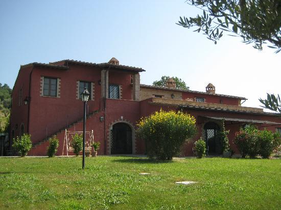 雷卡沙羅西迪蒙特布歐諾農莊酒店