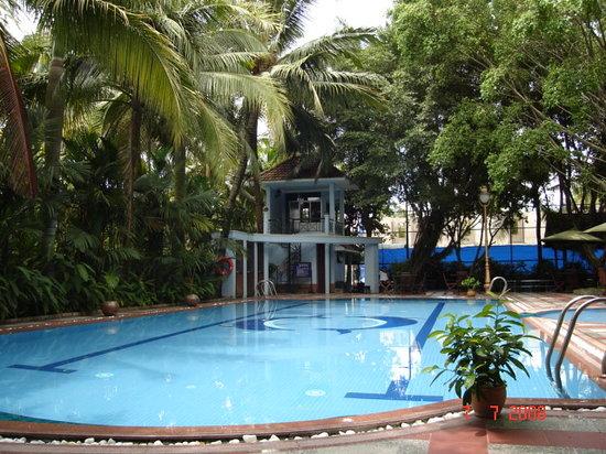 Phuong Nam Resort: Pool