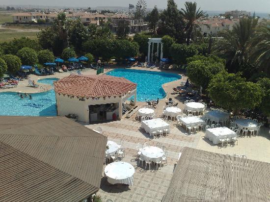 Crown Resorts Henipa: Henipa Hotel Pool Area