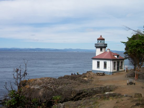 San Juan Adaları, WA: One of the lighthouses at the whale park