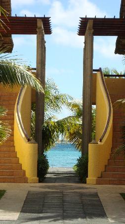 Dinarobin Beachcomber Golf Resort & Spa : Stairway to heaven!!!