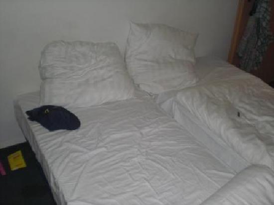 "Centro Hotel Ayun: ""Doppel""brett"