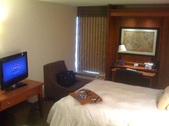 Hampton Inn Des Moines-Airport: Double Bed Room View #2