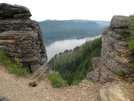 Hood River, Oregón: view of Columbia Gorge from Angel's Rest