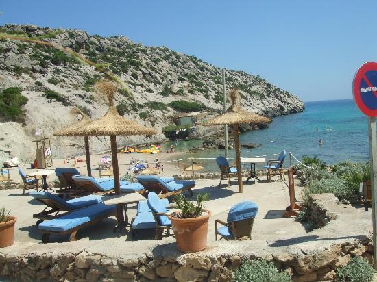 Hoposa Niu Hotel: Niu private patio away from sand!