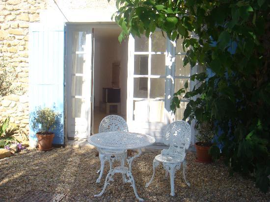 Le Paradis : The Garden Room Entrance