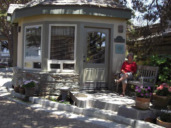 moonstone cottage 2 the garden gate picture of moonstone rh tripadvisor com