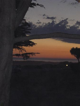 Moonstone Cottages: Sunset from the porch at Garden Gate