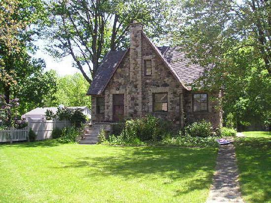 Stone house picture of kelleys island ohio tripadvisor for Stone homes