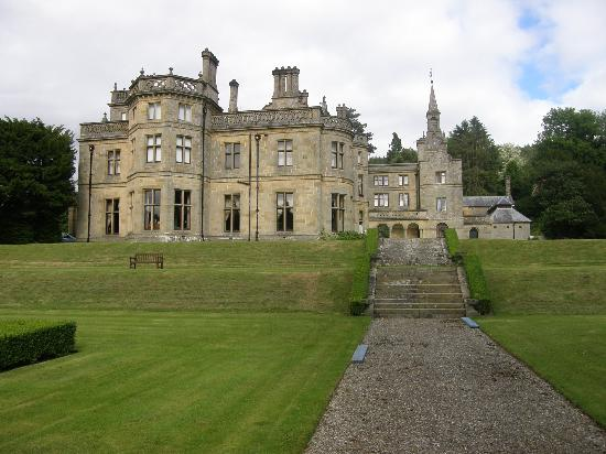 Llandderfel, UK: The Hall From The Gardens