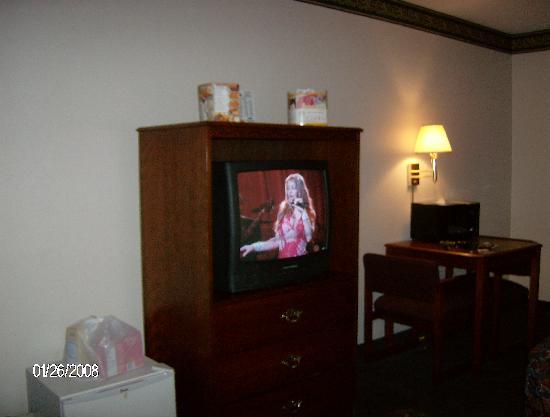 Days Inn Norton VA : tv area