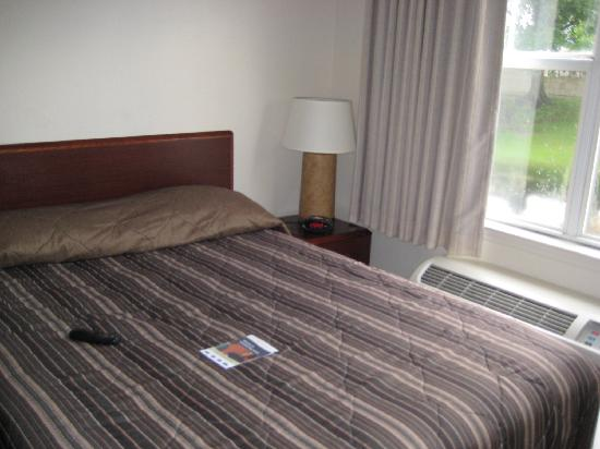 Extended Stay America - Orlando - Maitland - Summit Tower Blvd: bed