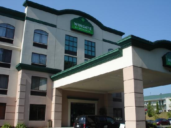 Wingate by Wyndham Atlanta/Six Flags Austell: Front of Hotel