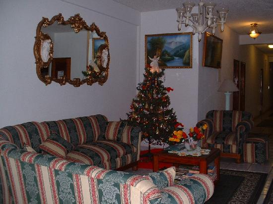 Casa Blanca Guest House: Part of the common area