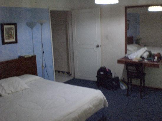 Casa de la Condesa: Casa-CondesaBedroom with reading lamp