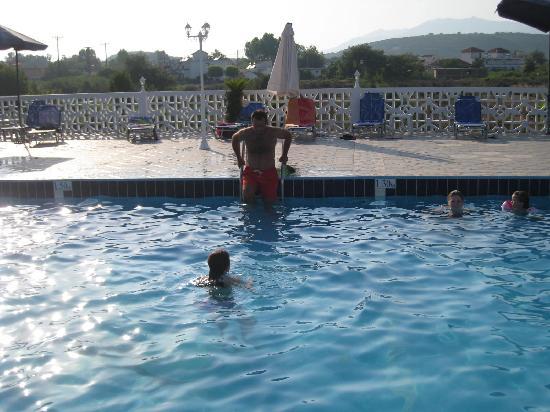 Gogas Palace: Pool at Gogas