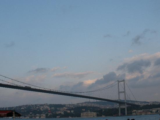 Istanbul, Turkey: Bosphorus Bridge