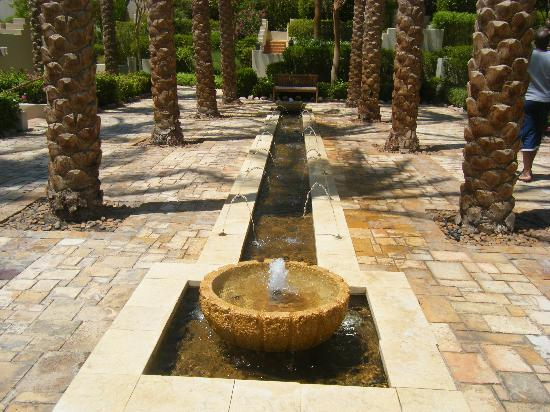 Four Seasons Resort Sharm El Sheikh: Fountain outside room