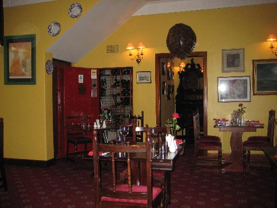 Redbank Guest House: Dining room
