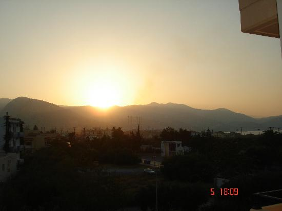 Castro Hotel: Sunset over Amoudara
